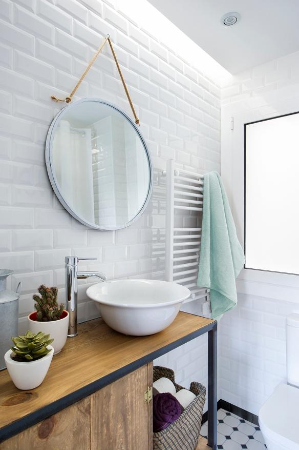 Reforma-baño-blanco-madera